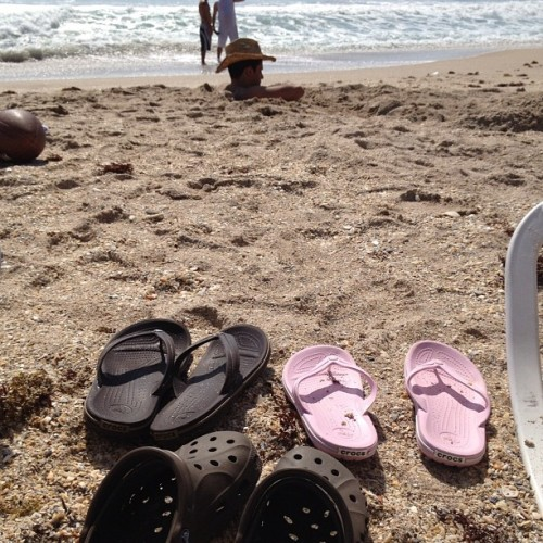 This family must like Crocs! #fl #beach #jensenbeach #hutchinsonisland #courtyard #crocs (Taken with Instagram at Courtyard Marriott - Hutchinson Island)