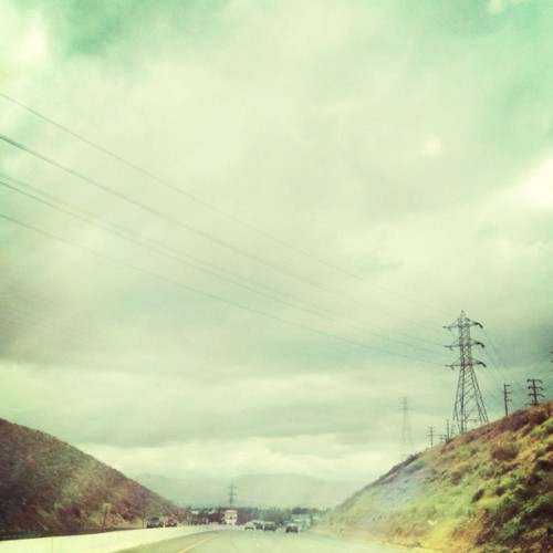 Another angle of the #electricalsky from yesterday. #ontheroad #driving #lookingup #powerlines #skywires #sky #10freeway #latergram #snapseed #picfx #viewfrommywindow (Taken with instagram)