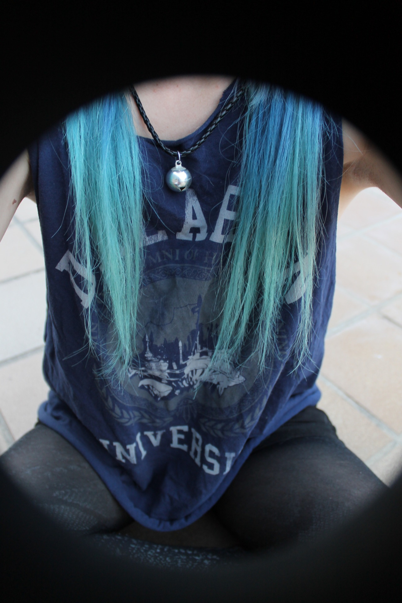 staytrueorgtfo:  I miss my turquoise hair, I'm not gonna lie~