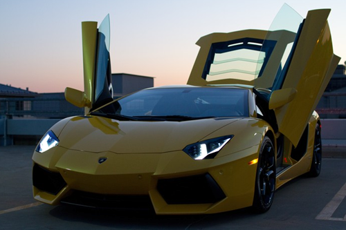 johnny-escobar:  Giallo Orion Lamborghini Aventador via Doctaaaaa