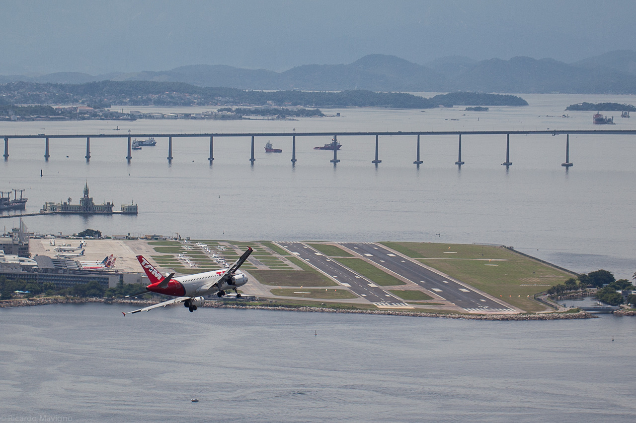 Rio - Plane approaching Santos Dumont Airport - assorted 10  by Ricardo Mavigno