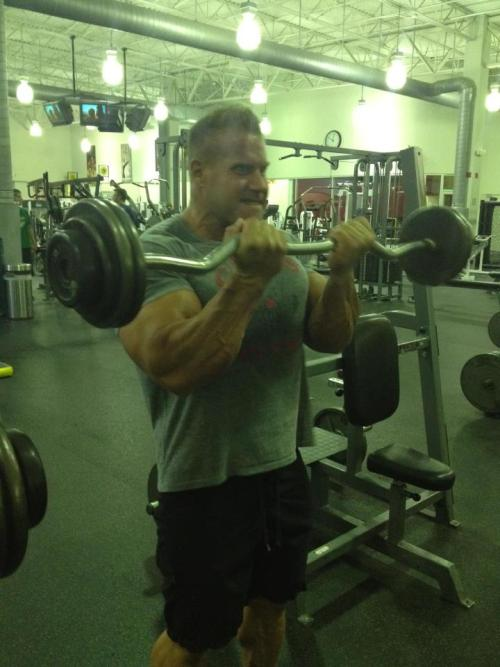 Jay Cutler at Golds Gym back up to 280lbs - 27.5.2012