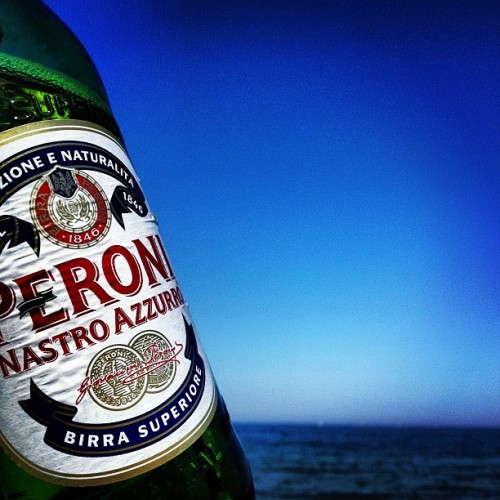 Sunset peroni #instamood #instagood #iphonesia #chillin #beer #peroni #chilled #sun (Taken with instagram)