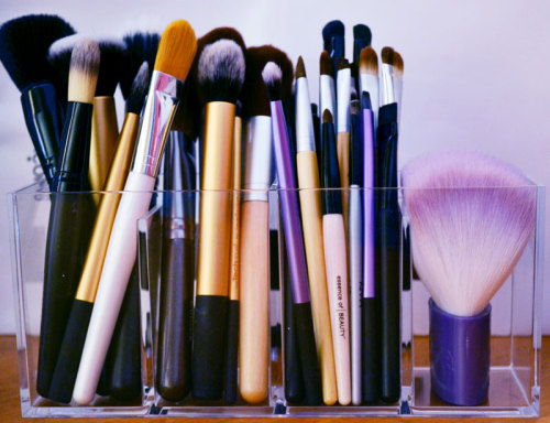 powderdoom:  I didn't realize how many brushes I had until I finally organized them into an acrylic storage cube I got at the Container Store last weekend ($9.99). Though I have quite a few, I've never spent a lot of money on any one brush, these are all E.LF, EcoTools, NYX, and Real Techniques with the exception of one or two that I received as gifts. You don't need to spend a lot of money to get quality brushes!