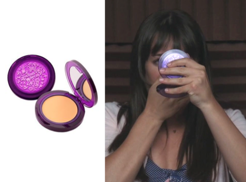 It looks like Rachel used this in Britney/Brittany. Urban Decay Surreal Skin Foundation Compact £21.00