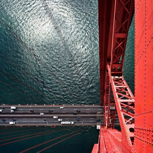 fonrenovatio:  25th April Bridge, Lisbon