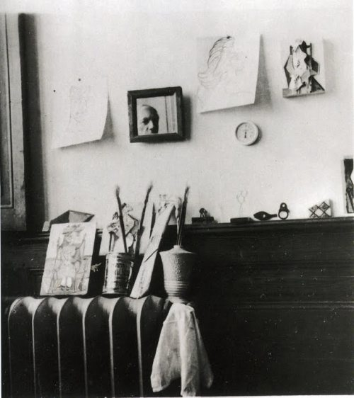 "lylaandblu:  Pablo Picasso, ""Self portrait in the studio Royan"" (1940)"