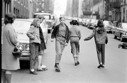 retronewyork:  Kids Skateboarcing NYC 1960s  Ha, this was my childhood, playing in the street.  The skateboard is probably homemade, from boards and old roller skates.  By LIFE Magazine photographer Bill Eppridge