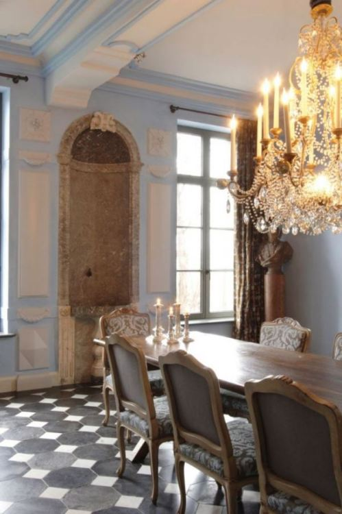 Dining room in Belgium, with antique accents (via Beautiful Belgian style « Trouvais)