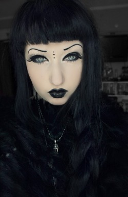 torturegardens:  i suppose i will bring this back for world goth day this was taken about a year ago