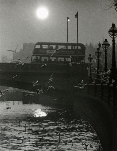 mondonoir:  Hans Hammarskiöld, Battersea Bridge, London, 1955/1980