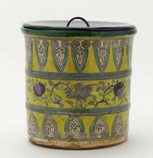 Eiraku ware tea ceremony water jar (19th century)