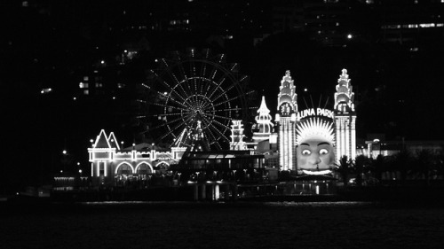 Luna Park in Black and White on Flickr. I've never set foot in Luna Park, and truth be told, I am actually a little bit afraid of going there, but it's calling me and I must get there soon (with adult supervision, I am certainly not going there by myself). My spidey sense tells me that it's haunted, though… Any place that looks that creepy from the outside and features a history that includes a terrible tragedy like the Ghost Train fire has got to be haunted, right? Right.