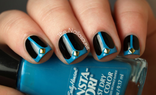 thenailasaurus:  Whale Tail Nails!
