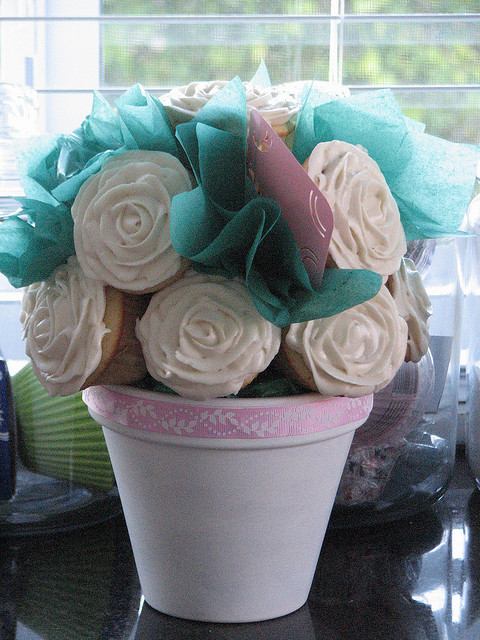 awkwardcupcake:  Cupcake Bouquet by sugarcrushmiami on Flickr.