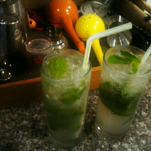 #Mojito …extended weekend, pretending like we're on vacation. there we go goldenjeff. (Taken with instagram)