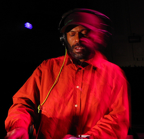 Theo Parrish - Flying II (Promo Mix) 1997 TRACKLIST: Theo Parrish - Smile - Music Is 002 Redhook Dreams - Your Love - Powermusic ? Lenny Williams - Running ? Rick Wade - Angry Pimp - Harmonie Park Kevin Yost - Filtered Luv Todd Terry Pres. The Dream Team - Love Is What We Need - Freeze Records Patrice Rushen - Haven't You Heard ? - Elektra Gary's Gang - Spirits - Polydor Three Chairs - War On Woodward Ave. - Three Chairs D*Note - Waiting Hopefully (Faze Action Dub) - VC Recordings Atjazz - Slide It In -Diy Theo Parrish - Moonlite - Ss Sheila E. - Love Bizarre - Warner+Lil' Louis Daphne - Change (Cafe Con Daphne Mix) Deep South - Lemon Puff [Low Pressings] Unit 2 - Keep Your Head Up_430 West Loose Joints - Is It All Over My Face ? - WestEnd Tata Vega - Give It Up For Love Traxmen Presents Eric Martin - Sump Pump - Dancemania The Dells - No Way Back (Ron Hardy Reedit) Marvin Gaye - Funky Space Reincarnation - Motown DOWNLOAD HERE