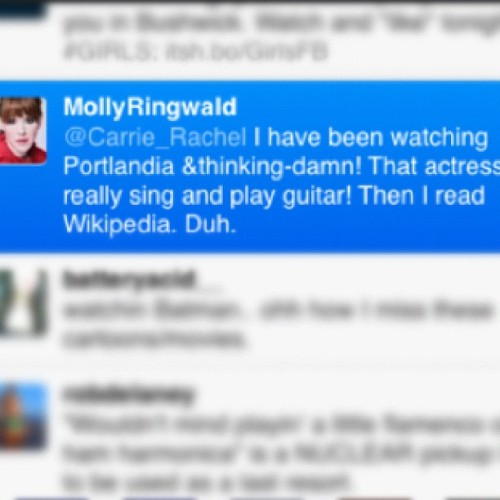 What?! #MollyRingwald and #CarrieBrownstein !  Two of my favorite people.