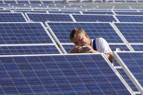 stfuconservatives:  positive-press-daily:   German solar power plants produced a world record 22 gigawatts of electricity per hour - equal to 20 nuclear power stations at full capacity - through the midday hours on Friday and Saturday, the head of a renewable energy think tank said. (click-through for full story)  Can we have this tech now please? I know coal is fun and everything, but yeah, renewable energy from the sun sounds pretty good right now.