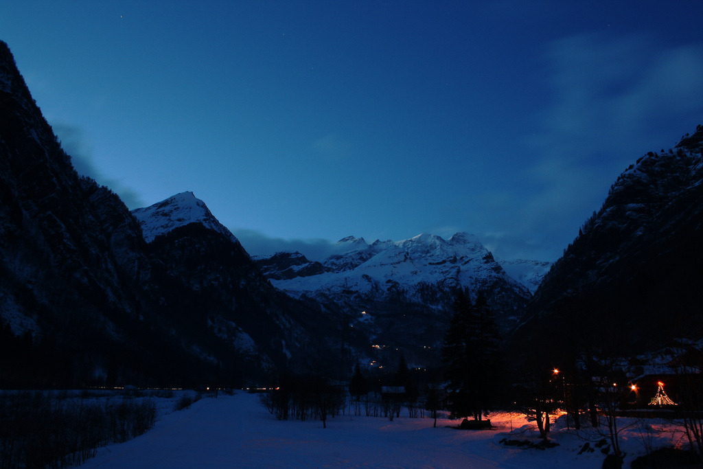 Mt. Rosa by night (by MBDisco_Stu)