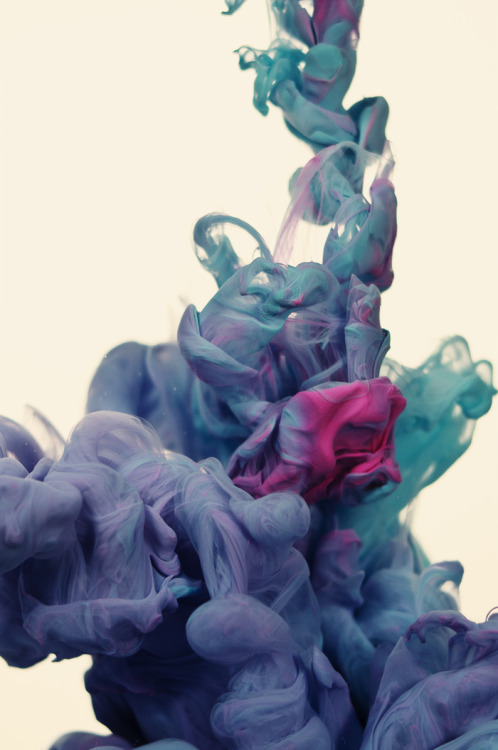 hazor:  High-speed photographs of ink mixing with water by Alberto Seveso