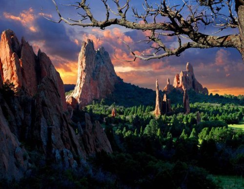 Morning light shines upon Garden of the Gods in Colorado Springs, Colorado