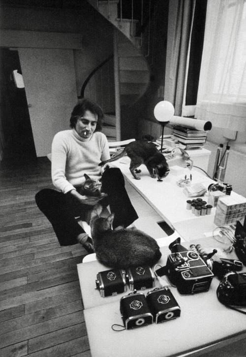 jeanloup sieff in his apartment on the rue ampère, paris' 17th arrondissement photo by ara güler/ magnum photos, from ara güler: creating the 20th century. 100 artists, writers, and thinkers.
