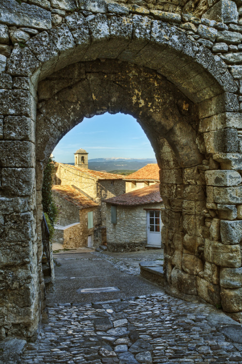 provencetoujours:  Stone Archway in the Village of Lacoste