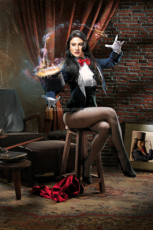 Zatanna, A Magic Trick by *jaytablante