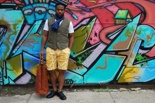 Najee of Sir & madame in the Chi pulls this one off really well. The shorts in this shot are Creep by Hiroshi Awai and can be found @ Sir  & Madame.