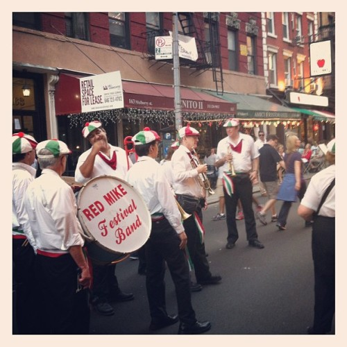 Street band in Little Italy! (使用instagram拍摄)