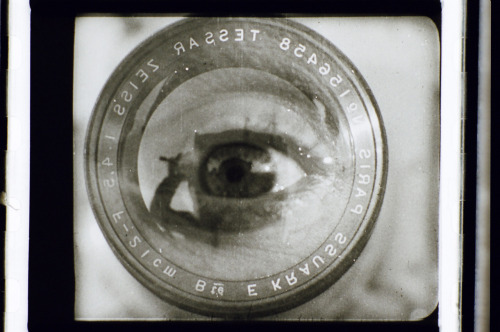 Dziga Vertov. Chelovek s kinoapparatom (Man with a Movie Camera ). 1929. 35mm film.