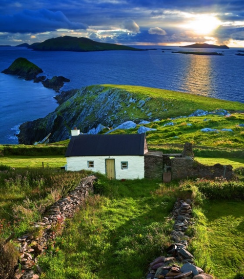 Above the Sea, Ireland photo via erchaminion
