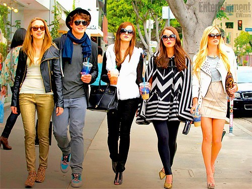 New promotional image from Emma's new film The Bling Ring