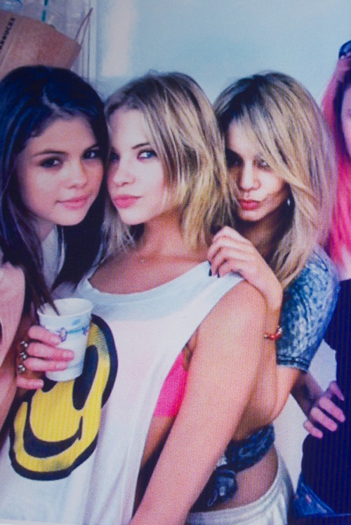 killingfashion:  ashley benson <333333