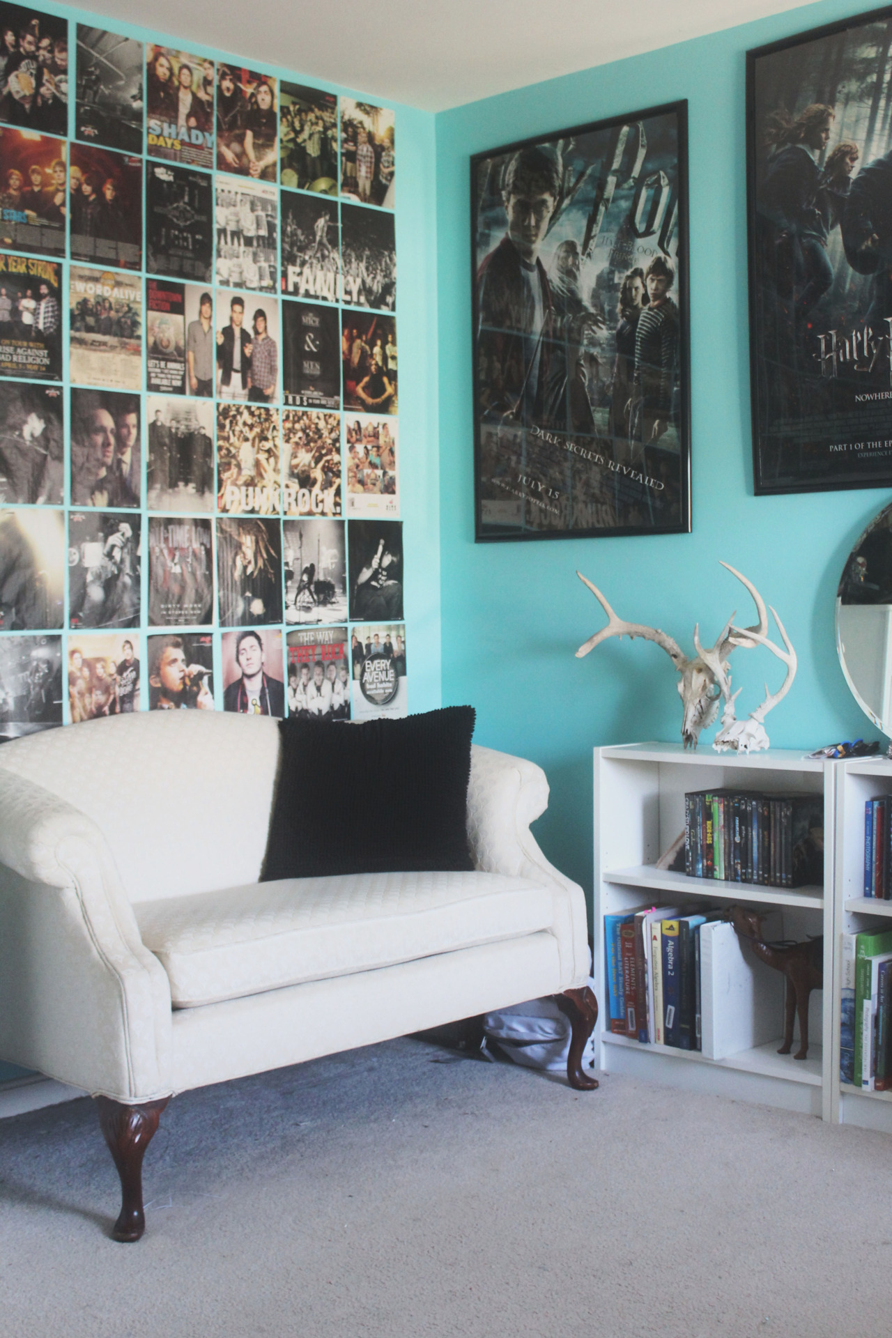 Welcome to sweet home style submitted by shannon lowe Decorating walls with posters
