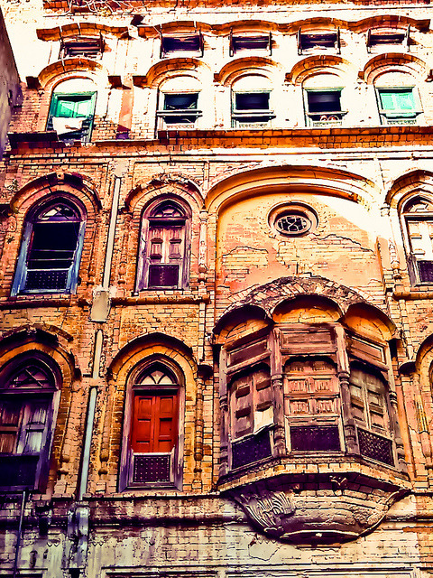 Old building in Raja Bazar, Rawalpindi.