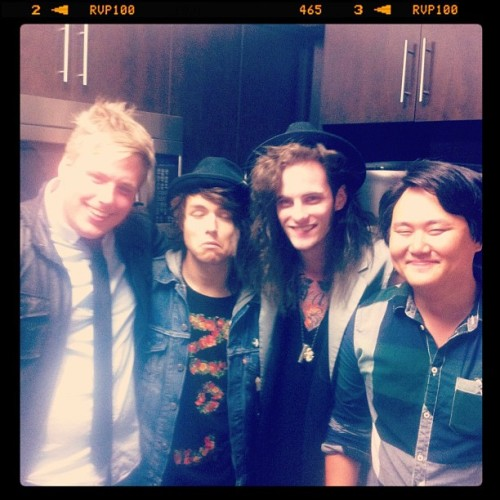 Rocking & rolling w/ @jordanwitz (@thereadyset), @jajajaredthomas, @chiscary, @sayitjordon!