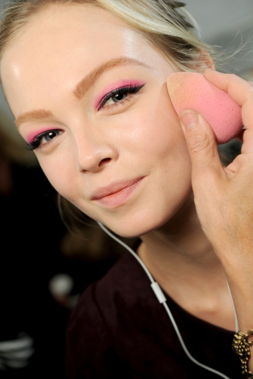 vogue-le-mode:  Dior Makeup at Paris Fashion Week 2011