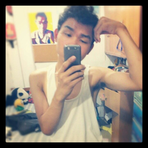 Goodmornight hehehe #vanity #vain #MonsterVinVin #portrait (Taken with instagram)