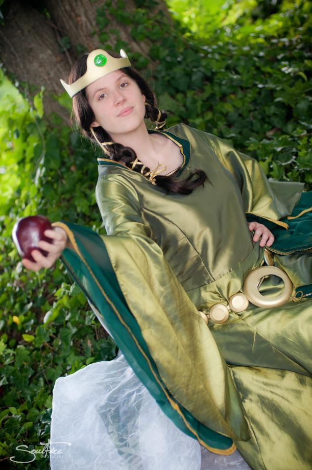 Look how beautiful Adrienne is as Queen Elinor!  Costume made by me, and worn by the Lovely Adrienne! Beautiful Photos by Soulfire Photography!  Thank you so much Sonja! http://www.facebook.com/SoulfireStudio