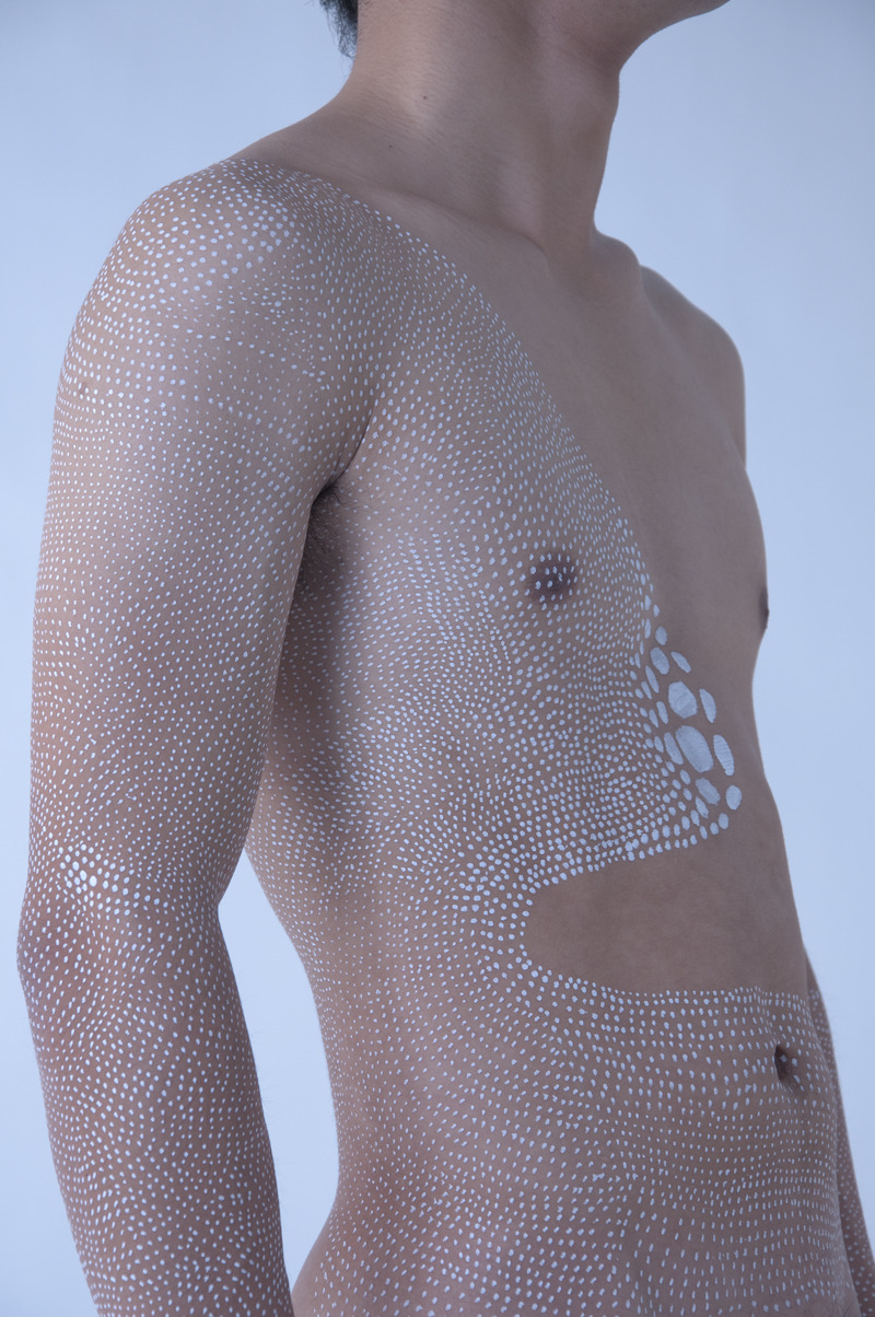 showslow:  Miharu Matsunaga and his painted dots.
