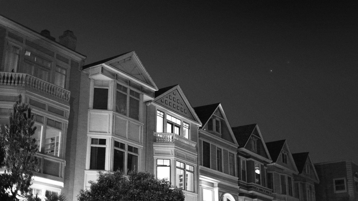 Pretty houses in the San Francisco Marina. On the original photo, you can see modern buildings in the background. I removed them in Photoshop.
