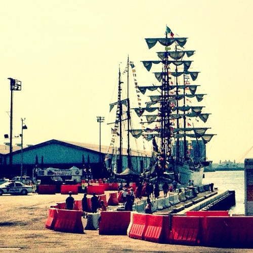 Shipsails #fleetweek #brooklyn #sweatingmyassoff (Taken with instagram)