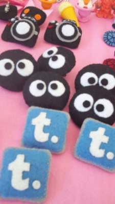 Makkuro Kurosuke and tumblr felt pins by Sandy for Felt It!  Future Market at UP Bliss 5.26.12 Thank you 98B