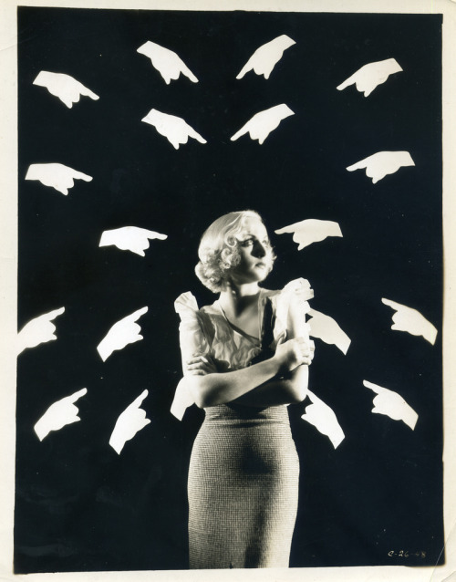 beautravail:  This is an American theatrical still from what appears to be 1948. That's all I know about it, unfortunately, but it was found and scanned by Linden Renz.