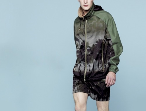 Here is Today's pick for Menswear Mondays' Look of the Week - The weather is going to be tropical in the city this week (including some thunderstorms). Stay cool!