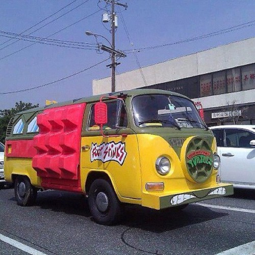 This is my mind being blown. #turtle #van #TurtleVan #TMNT #cartoons (Taken with instagram)