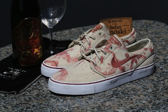 Nike SB Stefan Janoski - Wine Stained src