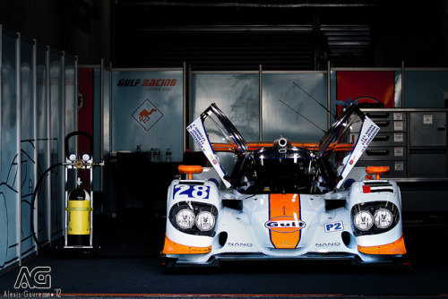 wellisnthatnice:  Gulf Racing Middle East by Alexis Goure on Flickr.